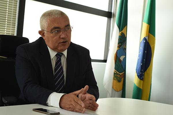Francisco Araújo detalha dificuldades para fechar as escalas