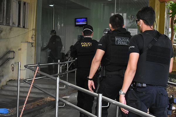 Somente entre os policiais penais, que atuam na segurança das unidades prisionais do Estado, existem 65 servidores afastados