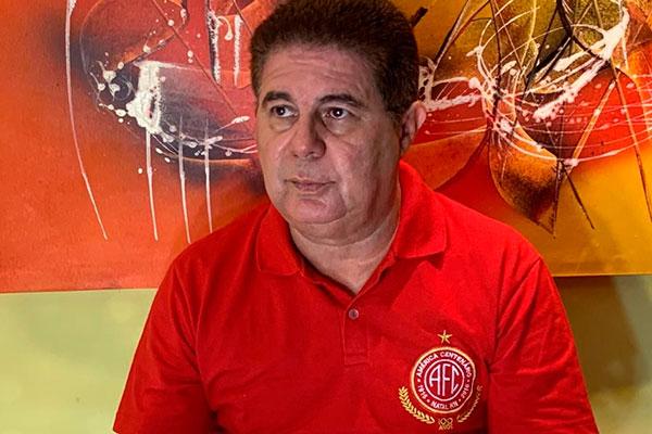 Ricardo Valério lamenta falta de coalisão ante o pleito do futebol