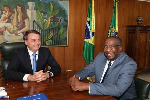 Bolsonaro anunciou Carlos Decotelli como novo ministro da Educação