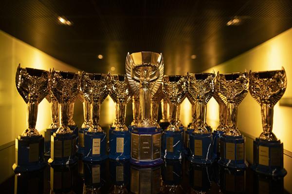 Réplicas da Taça Jules Rimet serão entregues aos craques