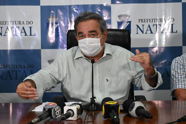 Álvaro Dias convocou a imprensa para detalhar ações do Município para reabertura econômica