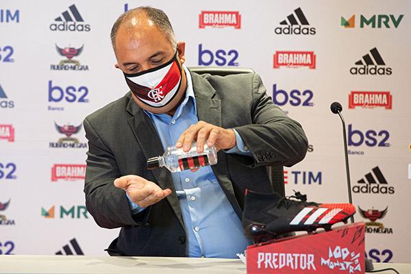 Marcos Braz se prepara para negociar a renovação com Rafinha