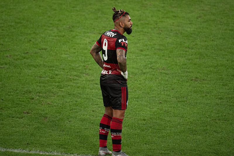Gabriel Barbosa foi expulso no duelo de ontem