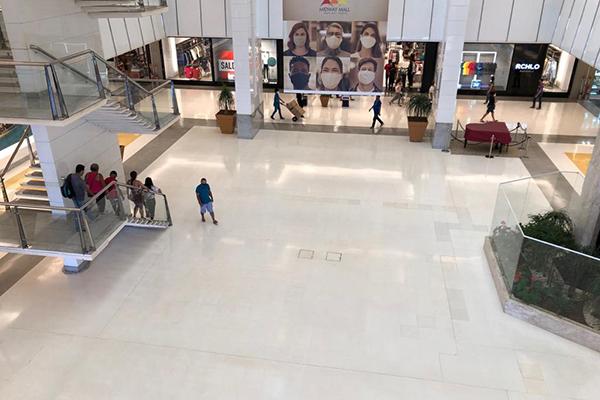 No maior shopping com ar condicionado da cidade, imagem do meio da tarde desta terça-feira, 28, era de calmaria e silêncio