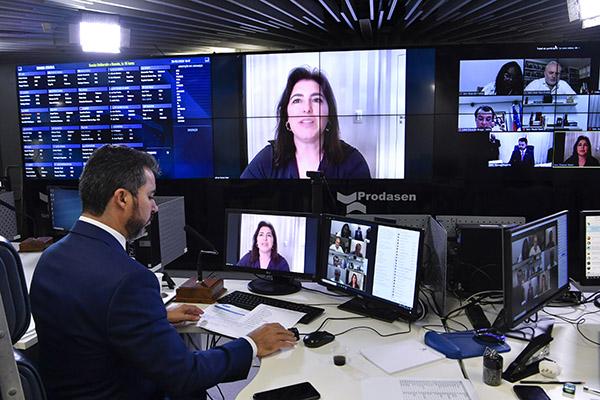 Presidente da CCJ, ssenadora Simone Tebet afirma que plenário virtual provoca isolamento