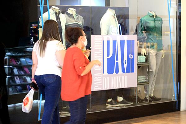 Nos primeiros dias após a reabertura dos shoppings centers em Natal, a movimentação foi considerada baixa. Lojistas esperam melhora nas vendas nesta semana