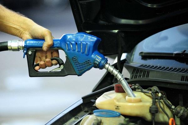 Postos de combustíveis têm até 90 dias para começar a oferecer nova gasolina