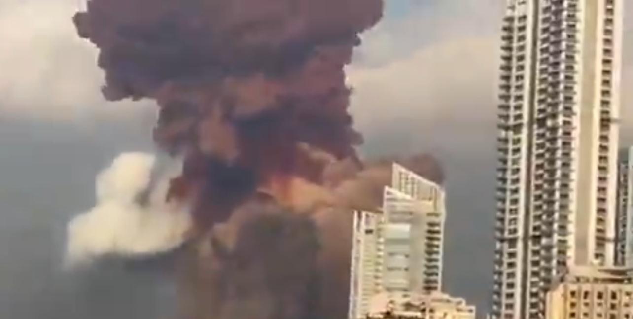 Explosão no Porto de Beirute, capital do Líbano, foi registrada por diversas imagens
