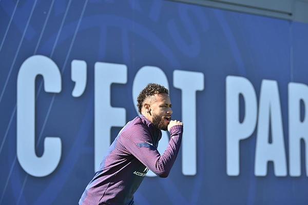 Jogador brasileiro acredita que esse ano o PSG pode conquistar a Liga dos Campeões da Europa