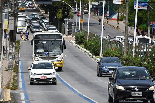 Famílias brasileiras gastaram 0,78% a mais com Transportes em julho. Alta foi puxada pela gasolina