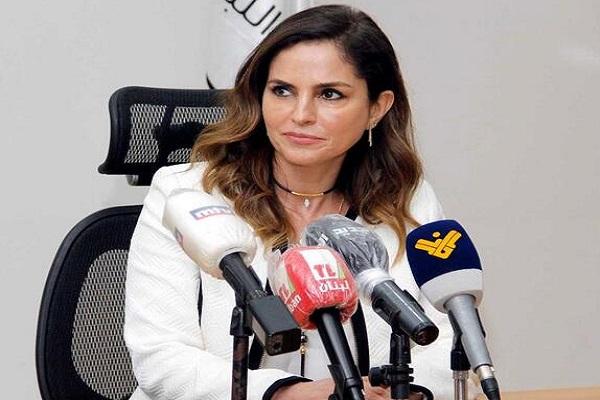 Ministra da informação do Líbano, Manal Abdel Samad, renunciou ao cargo neste domingo (09)
