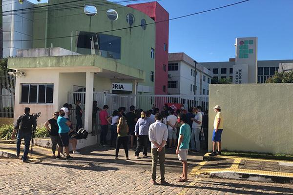 Tumulto começou com a chegada da PM no protesto
