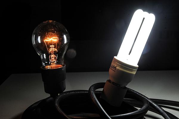 Cosern também troca lâmpadas incandescentes (e) e flourescentes (d) por lâmpadas de LED