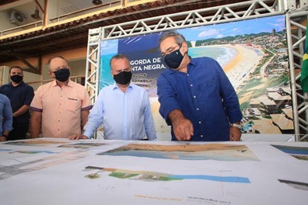 Rogério Marinho confirmou recursos para obras da engorda da praia ao prefeito de Natal, Álvaro Dias