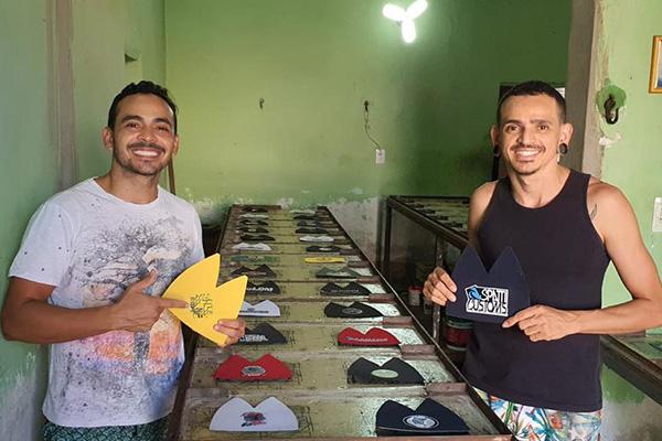 Lei deverá beneficiará pessoas como os irmãos Ângelo Márcio e Emanuel Silva que investem na ampliação de uma estamparia em bonés