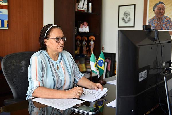 Em anúncio transmitido pelas redes sociais, governadora Fátima Bezerra esclareceu os motivos de não retomar aulas ainda em 2020