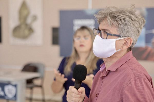 Secretário Cipriano Maia chamou atenção para necessidade de cumprimento das medidas de distanciamento social e uso de máscara