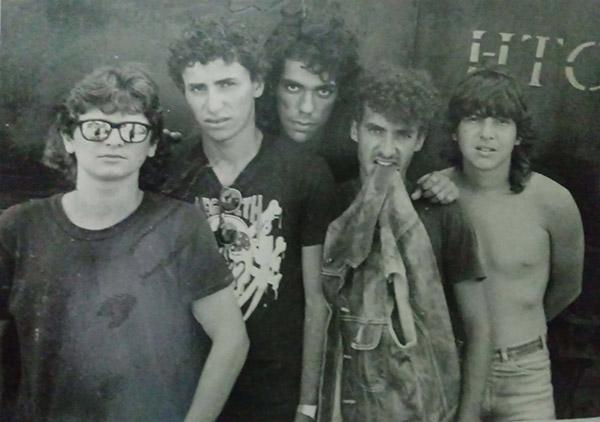 Primeira formação tinha um quinteto de adolescentes que sonhava mostrar seu som para o mundo