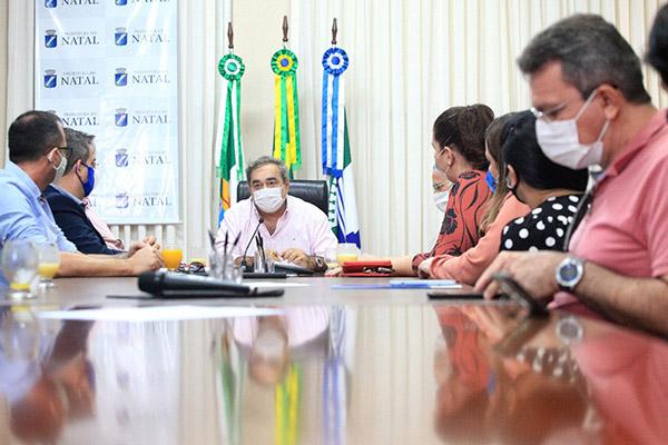 Prefeito Álvaro Dias recebeu representantes das Instituições de Ensino Superior instaladas em Natal na Prefeitura nesta quinta, 17