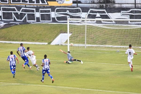 Berguinho marcou o terceiro gol do ABC