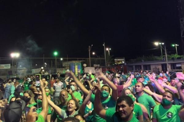 Em Macau, a aglomeração foi registrada em uma carreata que marcou o lançamento da campanha de um dos candidatos a prefeito