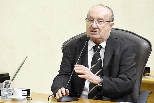 José Dias afirma que votação favorável é opção coerente