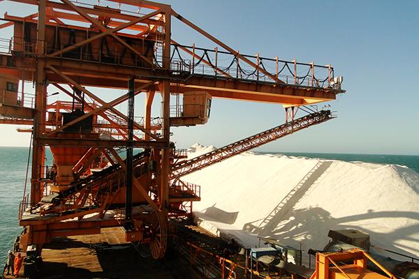 Conforme projeto inicial, porto graneleiro funcionará no mesmo modelo do Porto Ilha de Areia Branca, alimentando grandes navios