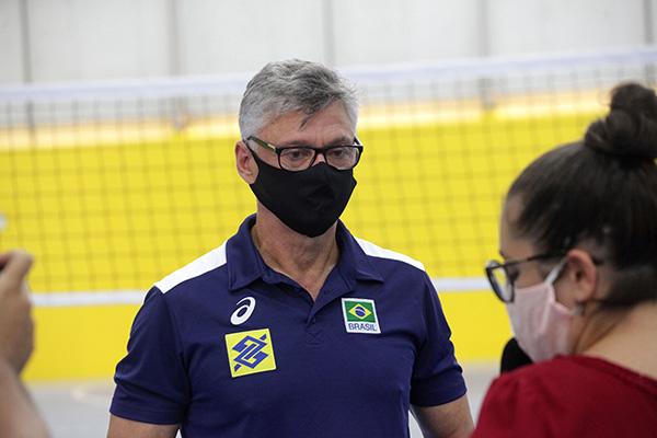 Treinador da Seleção, Renan Dal Zotto acredita que o esporte precisa ser avaliado em nível nacional, apesar das dificuldades no País
