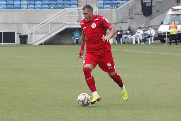Wallace Pernambucano voltou a marcar gols importantes