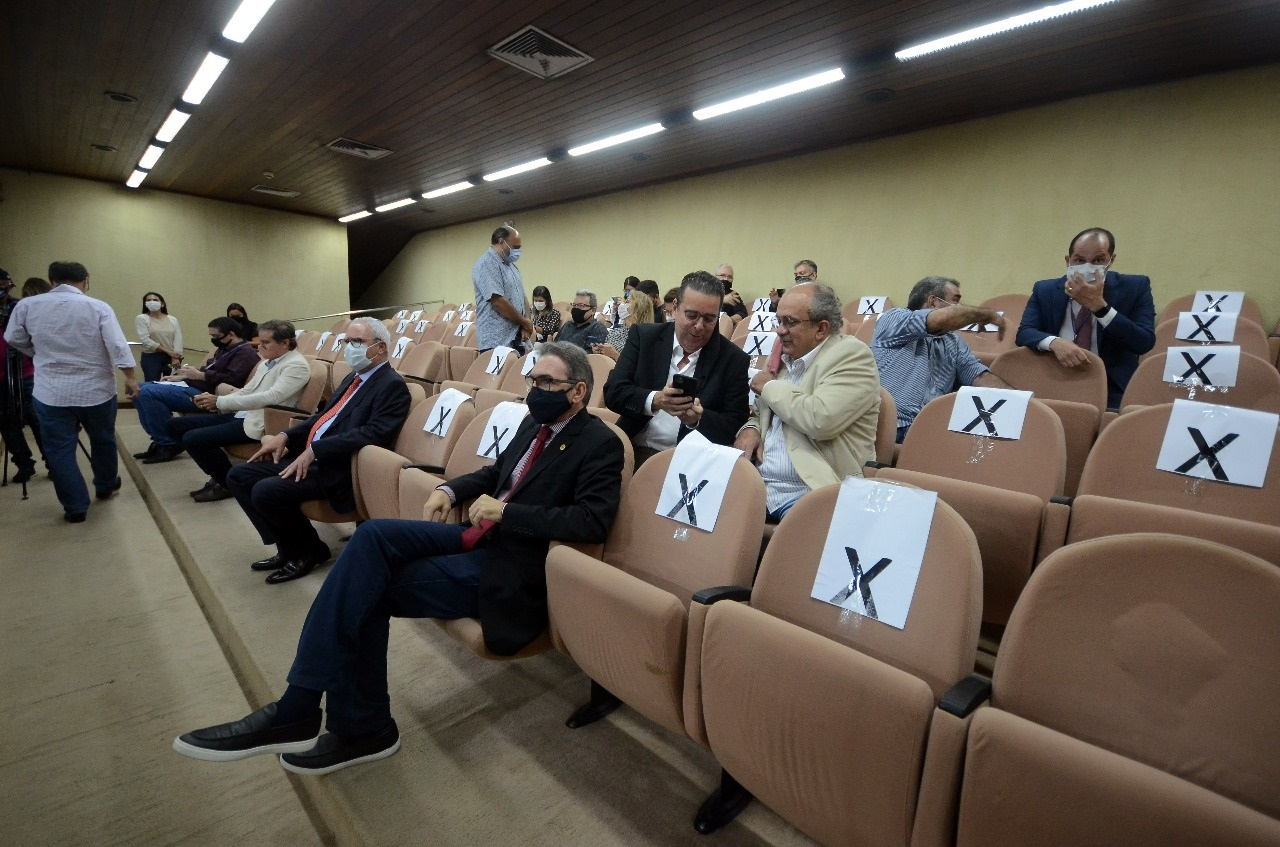 Representantes do setor empresarial acompanharam a votação