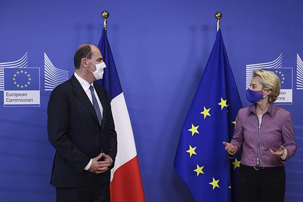 """Primeiro-ministro francês Jean Castex afirma que serviços hospitalares """"passarão por um teste"""""""