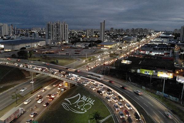 Natal ainda precisa lidar com problemas no trânsito e gargalos já conhecidos, como nos acessos à Ponta Negra e bairros da zona Sul. É preciso criar alternativas para desafogar o trânsito na região