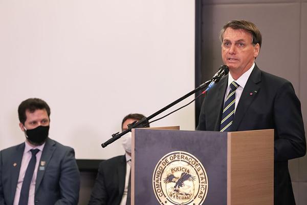 Jair Bolsonaro terá reunião com o ministro da Saúde sobre as pesquisas sobre vacina contra covid