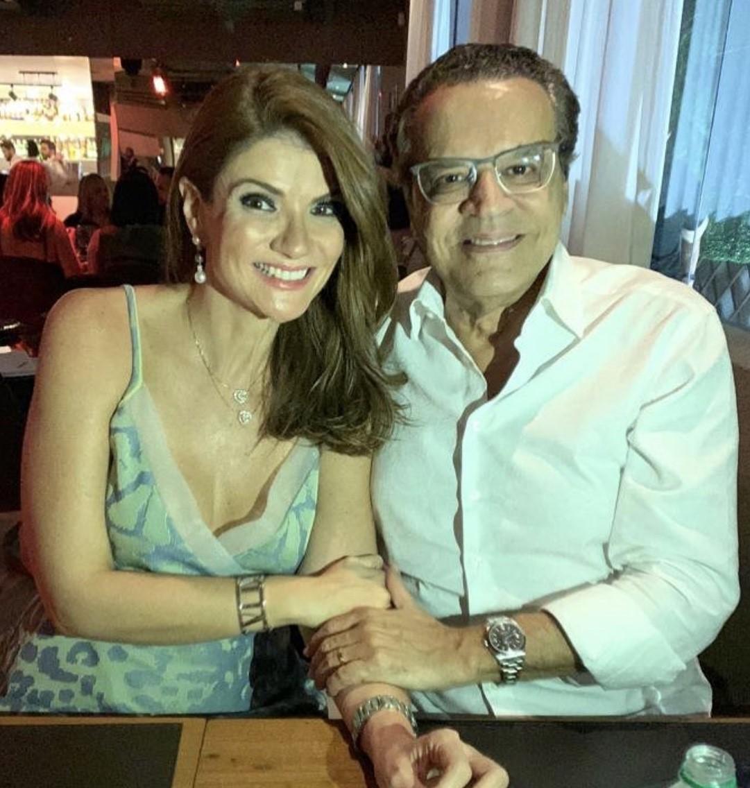 Henrique Eduardo Alves abre o dia cantando parabéns para a musa Laurita, aniversariando hoje