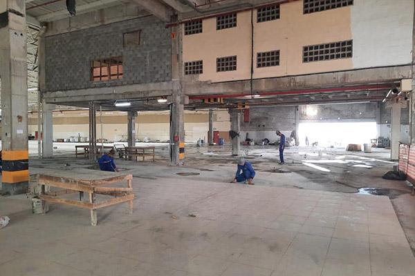 Home Center está em construção na área do antigo Hiper Bompreço Ponta Negra, na Roberto Freire