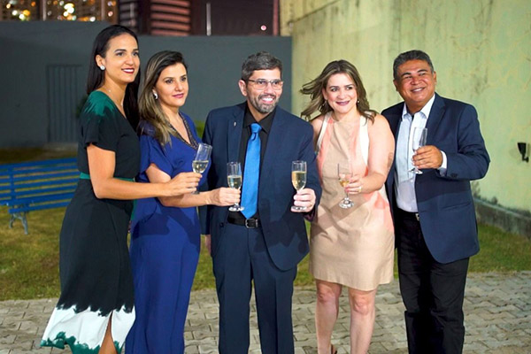 Bruno Almeida, da ABO/RN (centro), com equipe Sicoob Potiguar