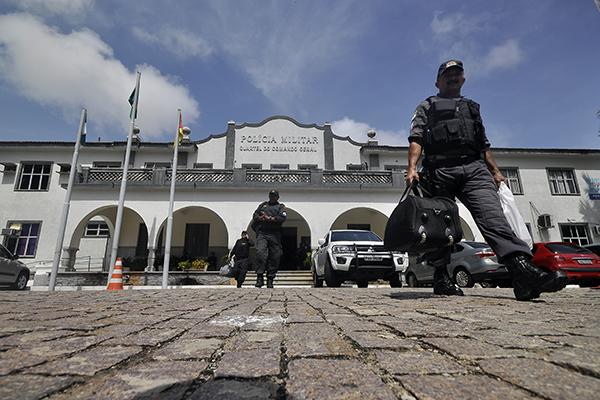 Redução foi puxada principalmente por menos candidatos da Polícia Militar, que passaram de 103 para 85 no Estado