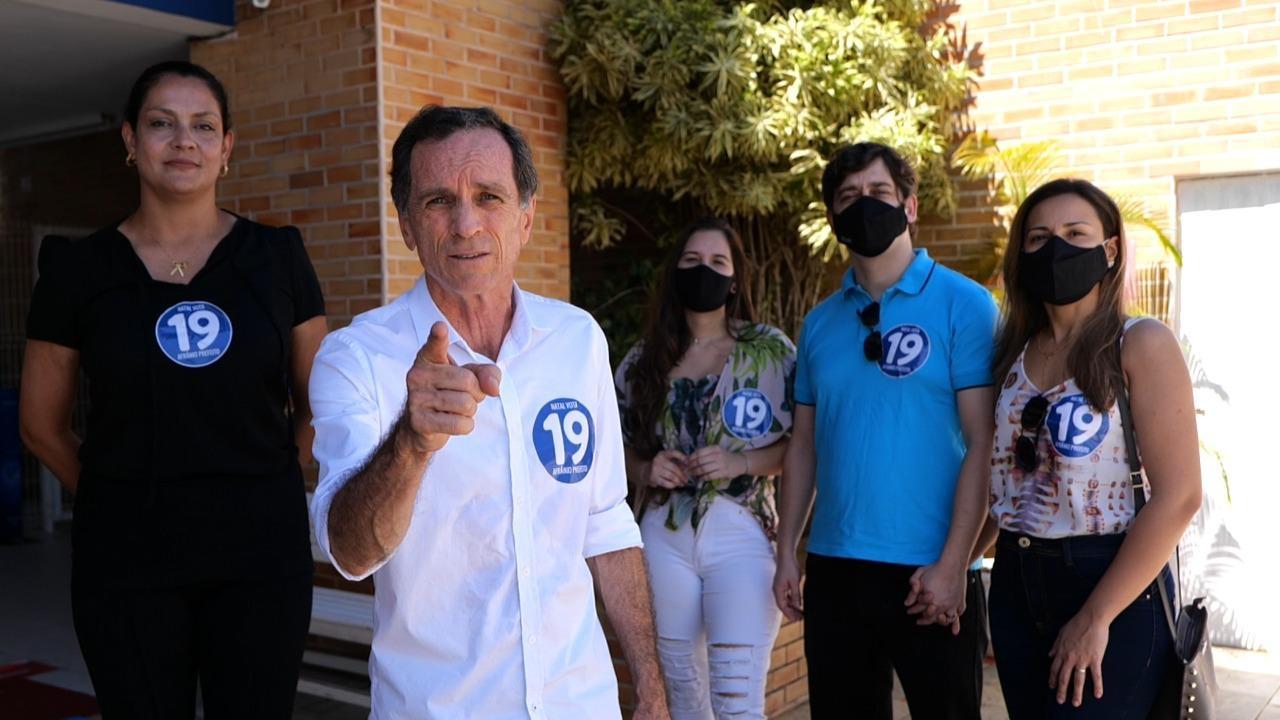 Afrânio Miranda esteve acompanhado dos seus familiares e candidata a vice