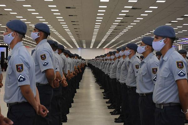 Os 1.014 novos soldados da Polícia Militar estão formados