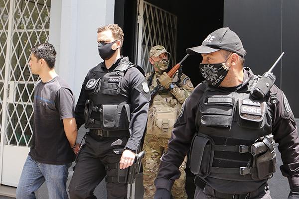 Um dos agressores acusados de participação no espancamento e morte é preso em Porto Alegre