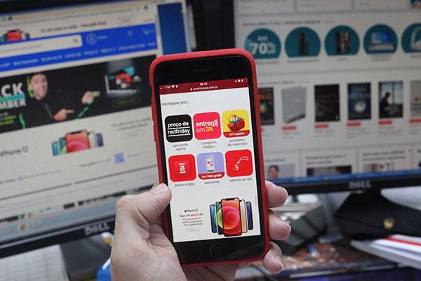 Expectativa das lojas que atuam no comércio eletrônico é de ampliação no faturamento nas vendas durantes a Black Friday. Volume pode superar os R$ 3,74 bilhões
