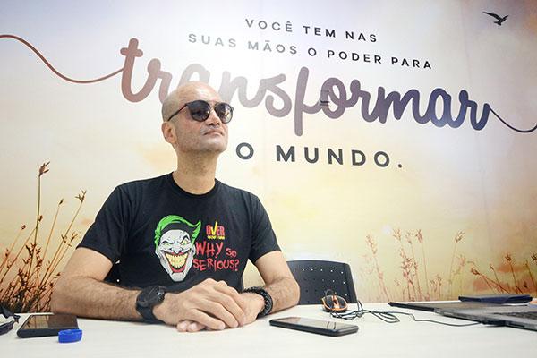 Carlos André, diretor do Over, afirma que é possível para quem não estudou focar nessa reta final, mas com dedicação exclusiva