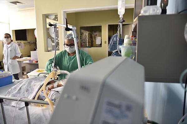Medidas de corte de despesas acessórias permitiu a convocação de aproximadamente mil novos servidores somente na Saúde pública