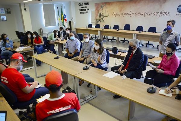 Reunião sobre ocupação na Faculdade de Direito da UFRN ocorreu na manhã desta segunda