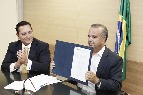 O presidente da ALRN acompanhou o lançamento junto com o ministro Rogério Marinho