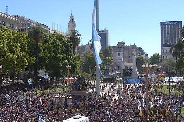 Despedida do craque atraiu muitos fãs para a Casa Rosada