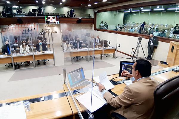 Deputados estaduais votam hoje em segundo turno a Proposta de Emenda à Constituição