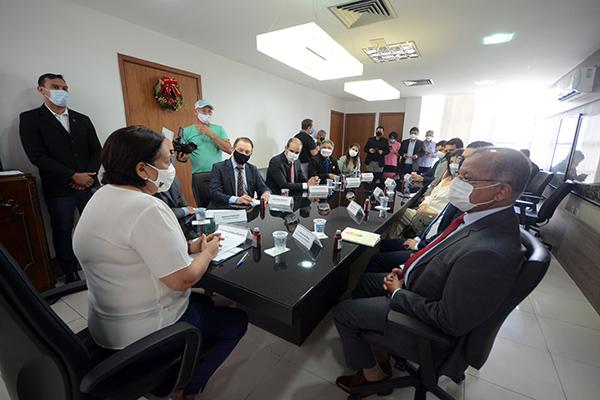 Fátima Bezerra assinou convênio com o Tribunal de Justiça do RN e com a Procuradoria Geral do Estado para incentivar negociação