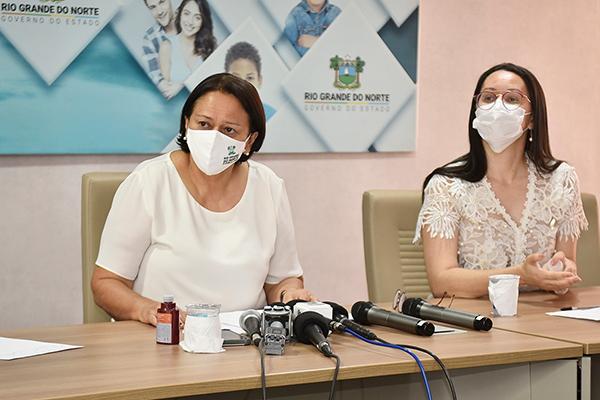 Governadora Fátima Bezerra e a secretária de Estado de Saúde adjunta, Maura Sobreira, falaram sobre medidas para conter a covid
